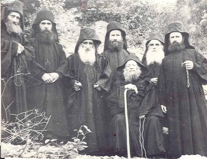 Μακάριος Γέρων Ιωσήφ Βατοπαιδινός – 63 χρόνια στο Άγιον Όρος (1946-2009) –  Σύντομο Φωτογραφικό Οδοιπορικό | Πεμπτουσία