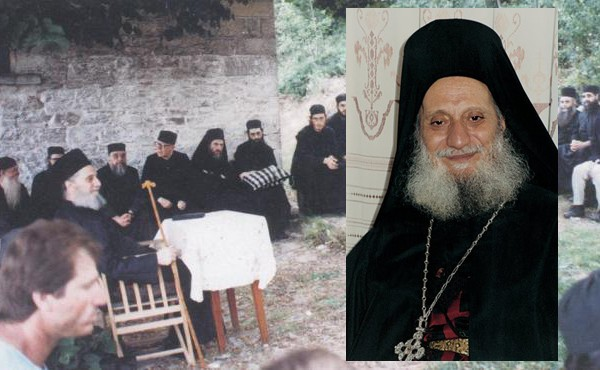 Ο Γέρων Αιμιλιανός Σιμωνοπετρίτης ομιλεί για την Θεία Λειτουργία