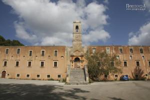 Ι.Μ. Αγίας Τριάδας Τζαγκαρόλων (Χανιά, Κρήτη)
