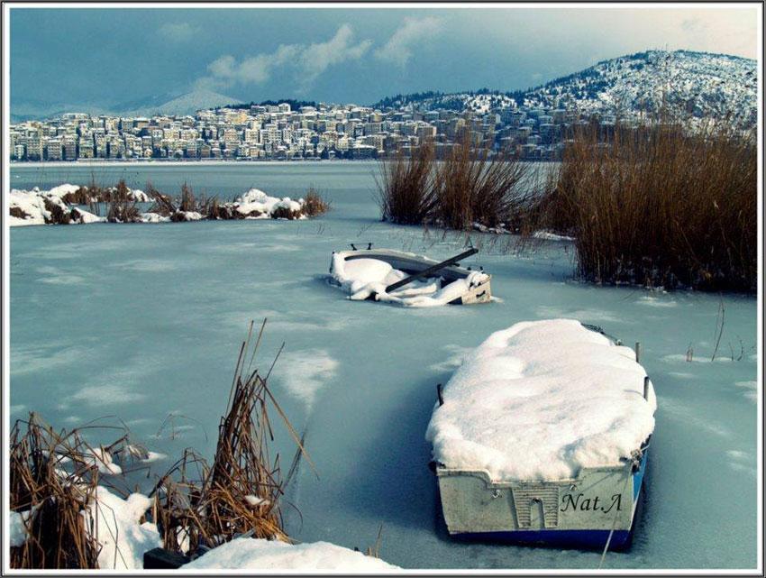 Η ομορφιά των εποχών στη λίμνη της Καστοριάς