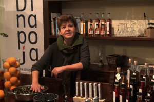 Σιρόπια και αλκοολούχα ποτά με αρωματικά βότανα της Κρήτης