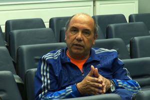Ο παλαίμαχος διεθνής ποδοσφαιριστής Χουάν Ραμόν Ρότσα συζητά με το Νίκο Μάλλιαρη  για τις ακαδημίες ποδοσφαίρου του ΠΑΟ