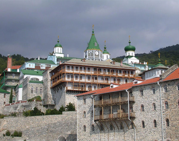 Η μεσοβυζαντινή ναοδομία του Αγίου Όρους