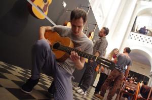 Λαϊκές κιθάρες παλαιών και νέων οργανοποιών