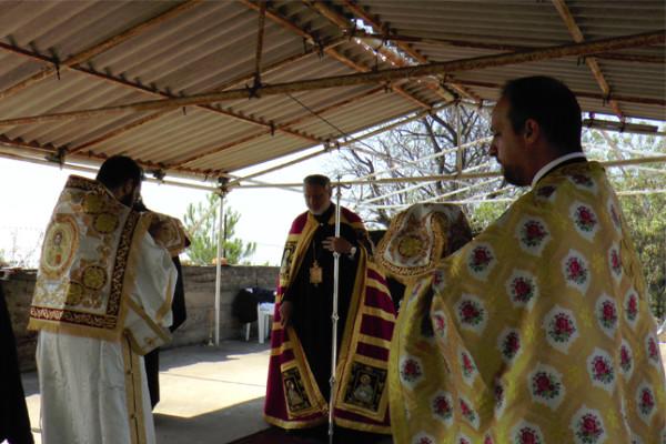 Θεία Λειτουργία της Μεταμόρφωσης στην κορυφή της Χάλκης