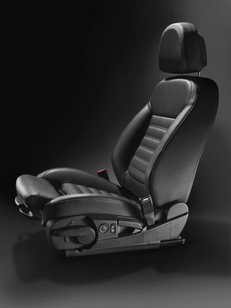 Opel-Ergonomic-Seats-02