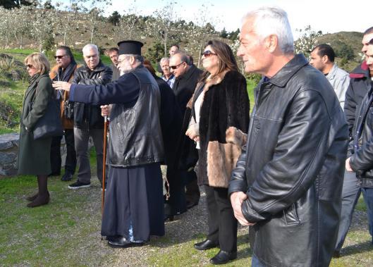 Ο Σεβασμιώτατος με τους επισκέπτες στην Ιερά Μονή Οσίας Μελούς