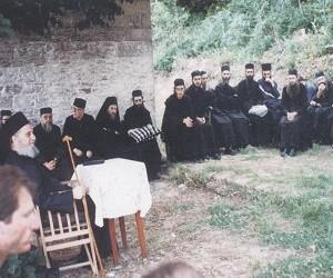 Ο γέρ. Αιμιλιανός Σιμωνοπετρίτης για τη Χάρη και τον Αγιασμό
