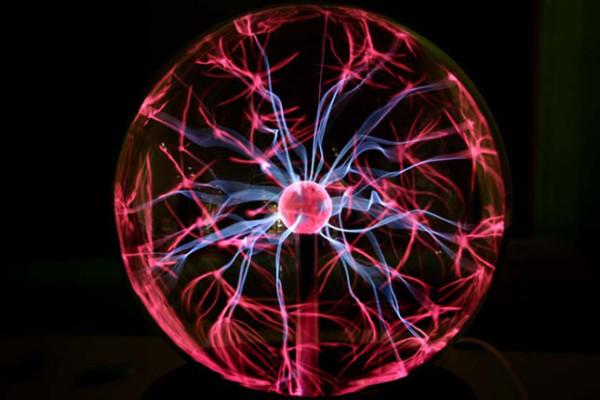 Το φως στη νανοκλίμακα: το μέγεθος μετράει… (Β')