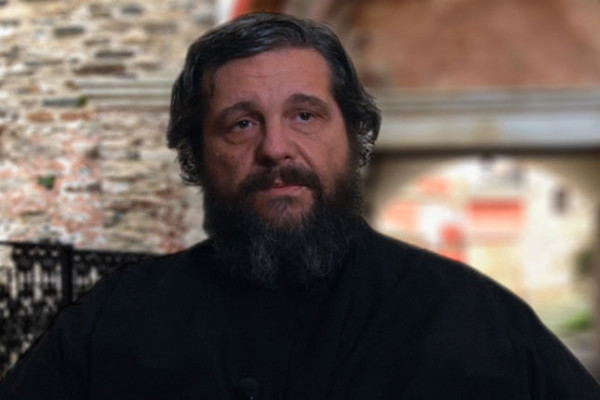 π. Νικόλαος Λουδοβίκος: Ο Σταυρός ως λύση του ανθρωπίνου δράματος