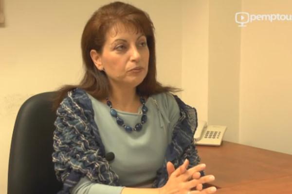 Ελένη Βλαχοπούλου: η Ανάσταση στο επισκοπικό επιγονάτιο