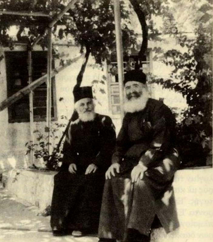 Ο Γέροντας Ευστάθιος (αριστερά) με τον Γέροντα Ελπίδιο
