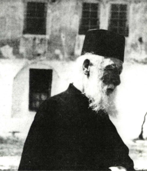 Μοναχός Νεόφυτος Λαυριώτης: «Από βλακείες μας θα χάσουμε τον παράδεισο»