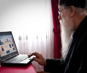 Γέρ. Γαβριήλ της Λεπαβίνα: Η Ποιμαντική του Διαδικτύου στην πράξη