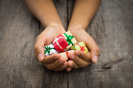 Τα γιορτινά δώρα και το νόημα της ζωής…