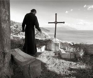 Τέσσερις ξένοι φωτογράφοι αποκαλύπτουν το Άγιον Όρος
