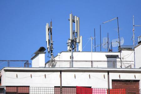 Κεραίες κινητής τηλεφωνίας: πραγματικοί και φανταστικοί κίνδυνοι…