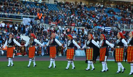 Πανδαισία ήχων και χρωμάτων στο πρώτο Πανελλήνιο Αντάμωμα των Μακεδόνων