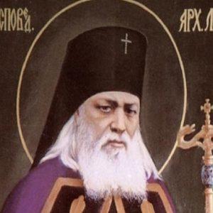Άγιος Λουκάς, Αρχιεπίσκοπος Συμφερουπόλεως και Κριμαίας, ο ιατρός