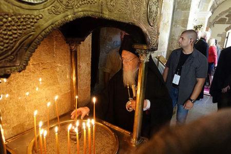 Αγία και Μεγάλη Σύνοδος: Θ. Λειτουργία της εορτής του Αγίου Πνεύματος στη Ι.Μ. Παναγίας Γωνιάς