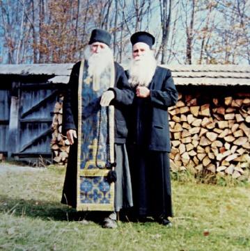 Με τον π. Κλεόπα Ήλιε στην Ρουμανία.