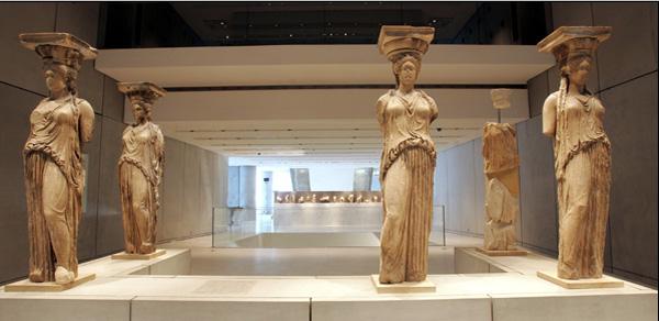 museum_karyatides1