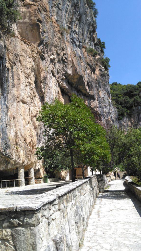 Η Ιερά Μονή Παναγίας Κηπίνας στην Ήπειρο