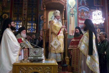 Η Αγία Ζώνη της Θεοτόκου στην Καλαμαριά στιγμές από την Αγρυπνία (11 Νοε 2016)