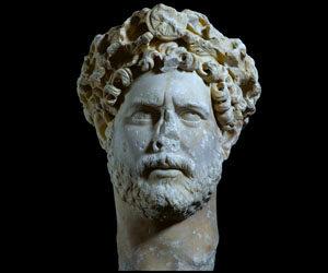 Ο φιλαθήναιος αυτοκράτορας Αδριανός: όσα δεν ξέρετε γι' αυτόν…