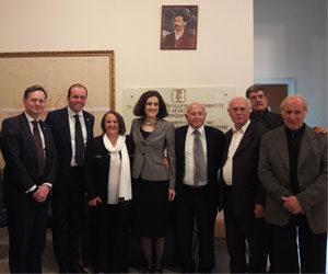 Επίσκεψη Άγγλων βουλευτών στο Δημαρχείο Λευκονοίκου στο Πλατύ Αγλαντζιάς