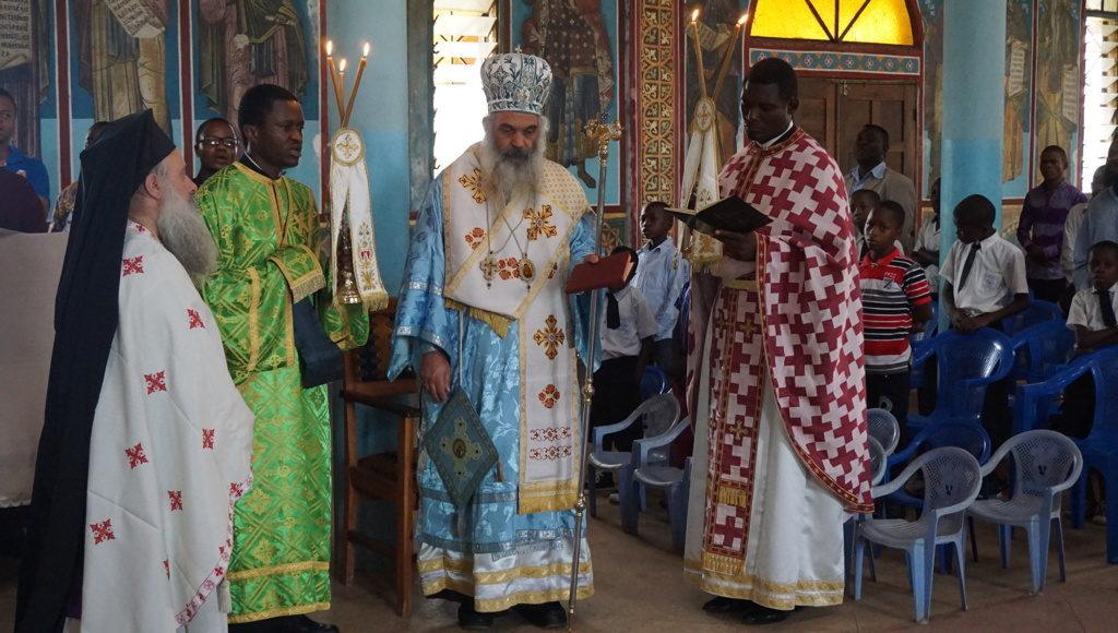 Η ποιμαντική διακονία στην Αφρική – Αρχιερατική θ. Λειτουργία Μητροπολίτου Κινσάσα