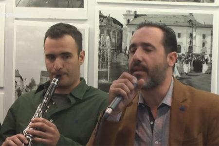 Τραγούδια των Ελλήνων με τον Παναγιώτη Λάλεζα