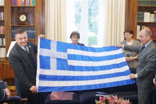 Στιγμιότυπο από παλαιότερη επίσκεψη του Φ. Γιουρτσίχιν στο Προεδρικό Μέγαρο με τον Κ. Στεφανόπουλο