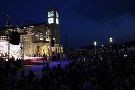 Συναυλία «Φως στην οικουμένη» στο Βόλο – Μέρος α'