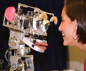 Τα ιατρικά και τα κοινωνικά ρομπότ μπαίνουν στις υπηρεσίες μας