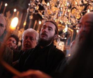 «Άξιον εστίν» Πέτρου Βυζαντίου ήχος γ΄- (Χορός Αγιορειτών)