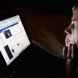 Από το face to face … στην ερημιά του facebook!!!