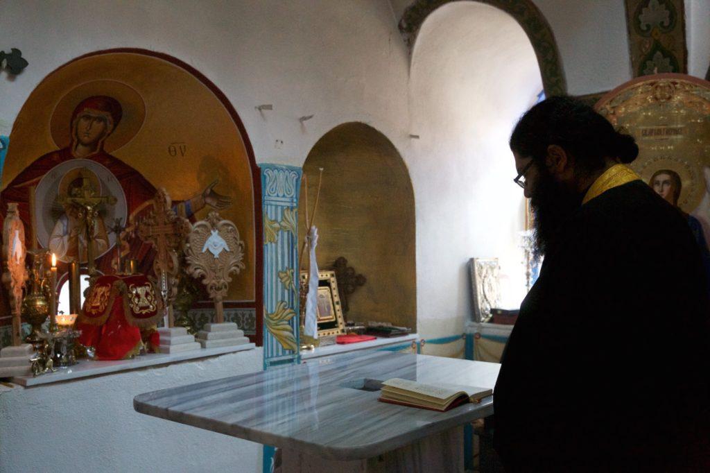 Εσπερινός των Εγκαινίων στο Κελλί Τιμίου Σταυρού, Προβάτα, Άγιον Όρος