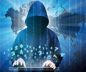 «Μάθετε καλά το διαδίκτυο, για να προστατευθείτε και να γίνετε καλοί στη δουλειά σας!»