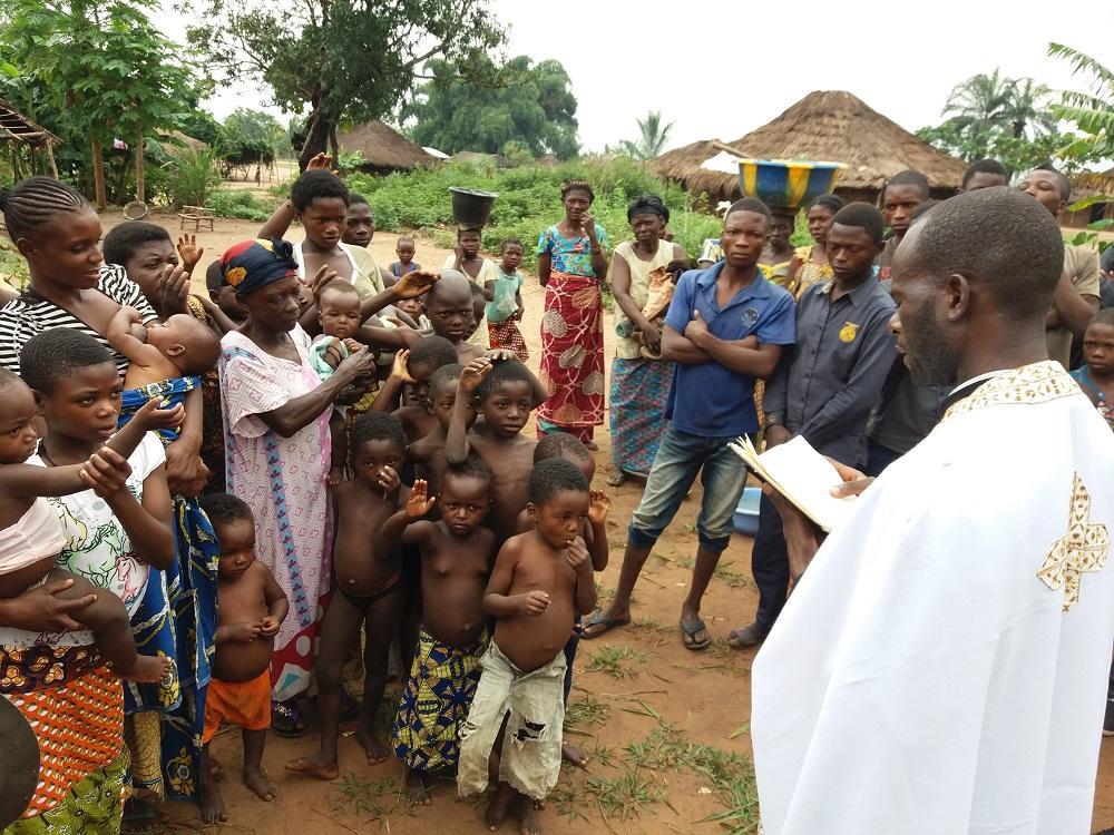 Βαπτίσεις στην Β΄ Μητροπολιτική Περιφέρεια της Ιεράς Μητροπόλεως Κινσάσα