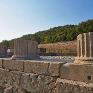 «Γλωσσικές παραχαράξεις: Η «Μακεδονική» των Σκοπίων»