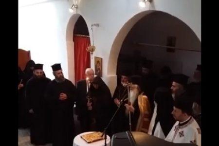 Ο μοναχός: θυσία της ανθρωπότητας στον Ουρανό