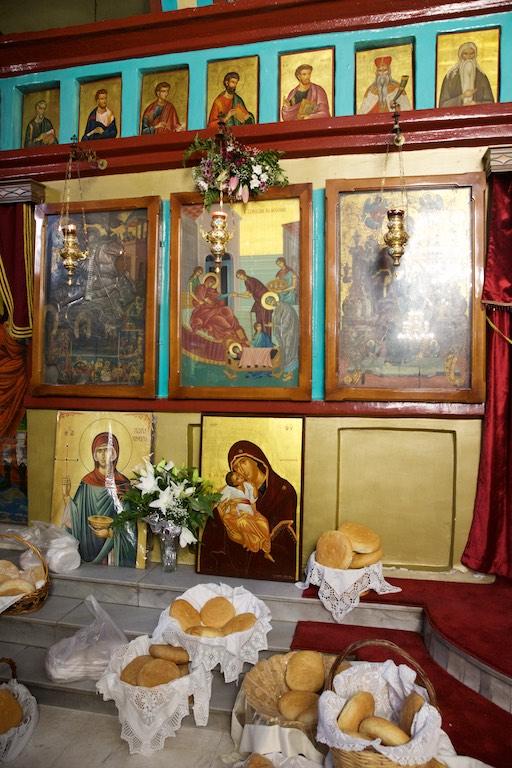 Του Κόσμου τα Γυρίσματα – Παναγία η Μηλιώτισσα, γιορτάζει στο Γεννέθλιον της Θεοτόκου στο χωριό Μηλιά, του δήμου Αλμωπίας Πέλλας.