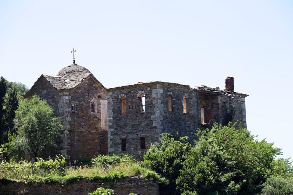 Άγιον Όρος: Ιερά Μονή Κωνσταμονίτου, φθάνοντας στο Μοναστήρι