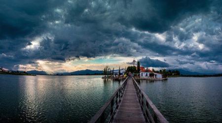 Του Κόσμου τα Γυρίσματα: Πόρτο Λάγος. Ένας επίγειος Παράδεισος. Tο μετόχι της Ι.Μ.Μ. Βατοπαιδίου
