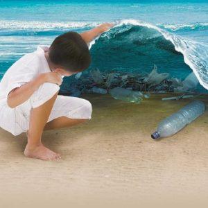 Πλαστικό – Πολύ πλαστικό σε θάλασσες και ακτές