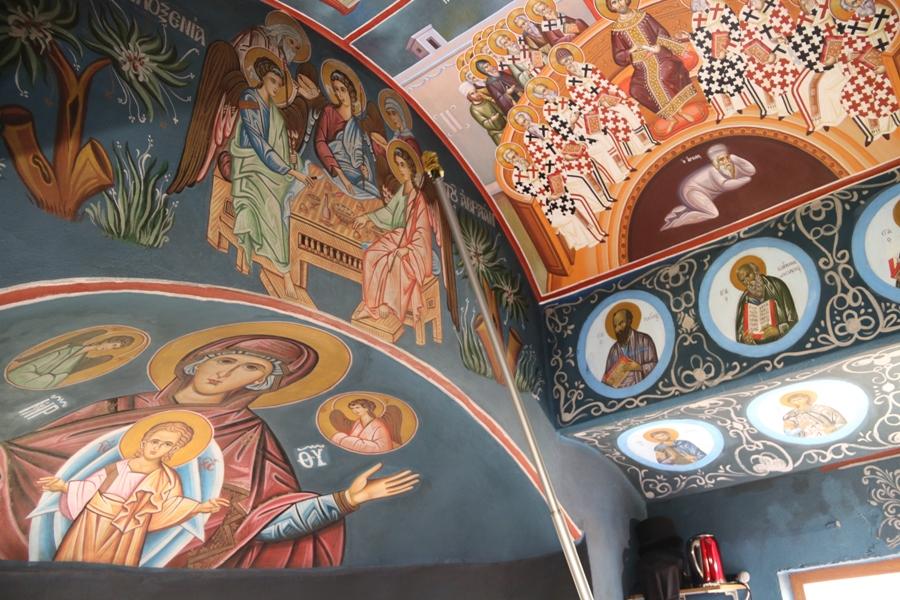 Ουρανός πολύφωτος η Εκκλησία…