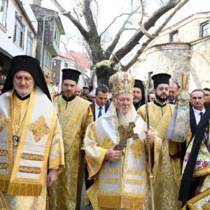 Ο Οικουμενικός Πατριάρχης τέλεσε τον Αγιασμό των υδάτων στην Τρίγλια για πρώτη φορά μετά το 1922