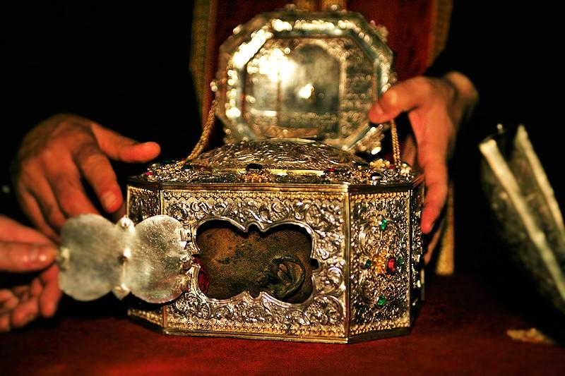 Το μαρτύριο και η ανακομιδή των λειψάνων του Αγίου Ιωάννου του Χρυσοστόμου  | Πεμπτουσία