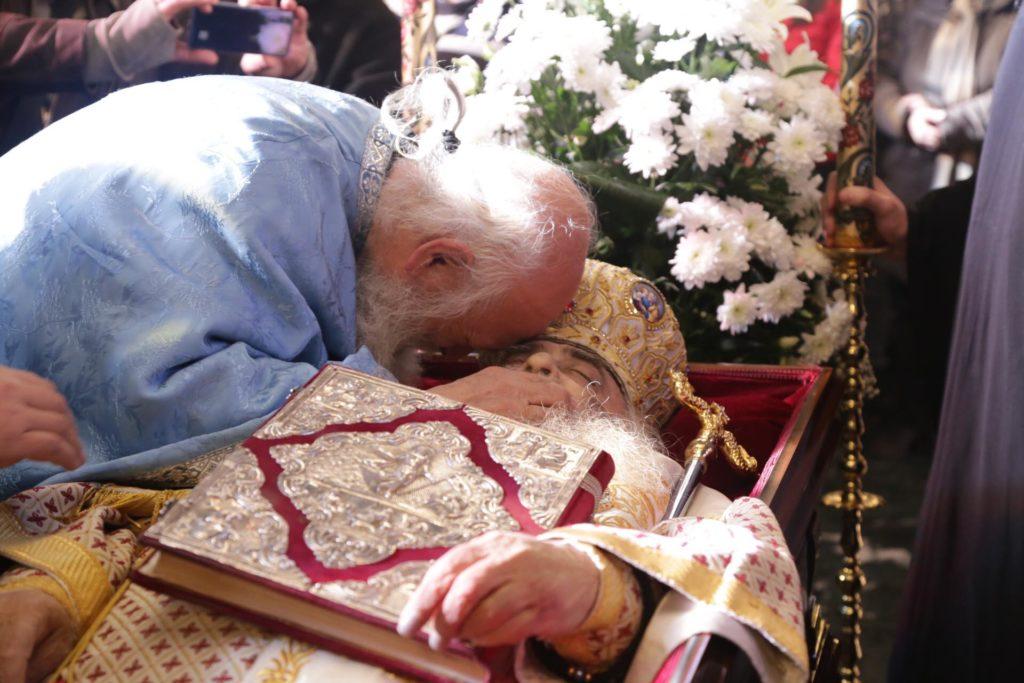 Η πόλη της Σιάτιστας υποδέχεται το σκήνωμα του ποιμενάρχη της